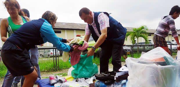 Atención y entrega de ayuda humanitaria a familias afectadas por incendio en el barrio Salazar de Armenia