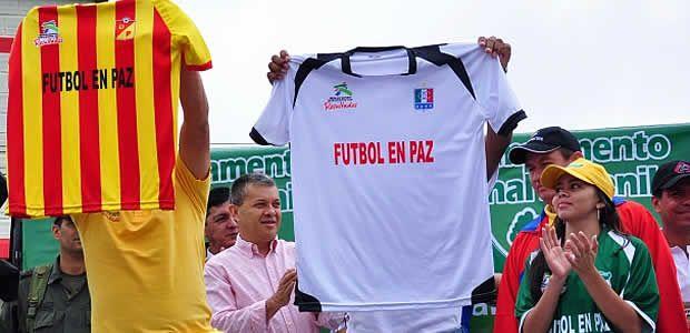 """""""Hay que vivir el fútbol en paz"""": Gobernador de Risaralda"""