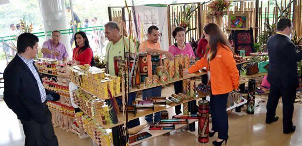 Artesanos de Armenia reportaron éxito en Feria Itinerante efectuada en Asamblea Nacional de Personeros