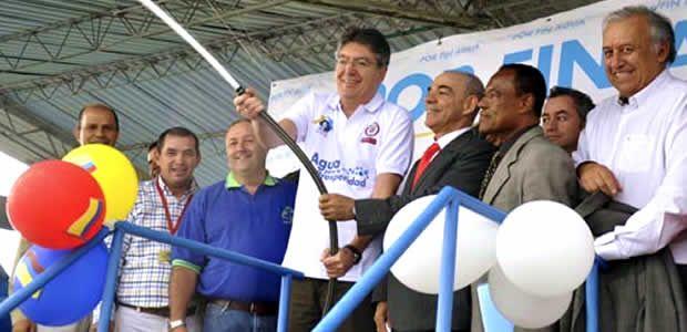 Ministro de Hacienda complacido por entrega de obras en Pereira y Risaralda