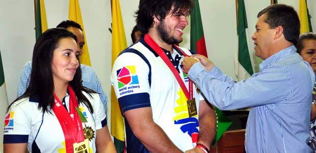 Gobernador de Risaralda exaltó a campeones mundiales de tiro con arco