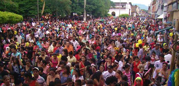 """En carnaval resultó la fiesta denominada """"Fantasía infantil"""" en Cartago"""