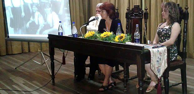 """Emotivo lanzamiento del libro """"Hablarán de mi"""" de Fabiola Calvo Ocampo en Cartago"""