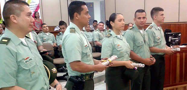 Condecorados miembros del Distrito de policía en Cartago