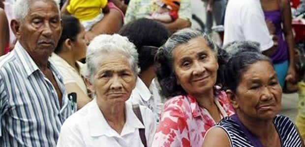 Dan plazo para el cobro de subsidios a Adultos mayores en Cartago