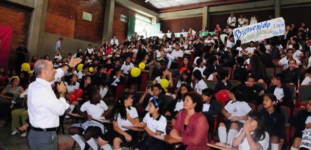 El Alcalde de Pereira reafirmó compromiso con niños, niñas y adolescentes