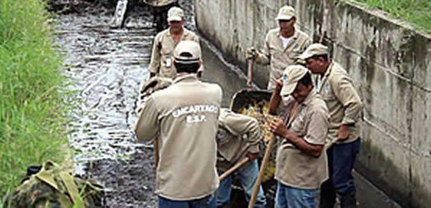 Emcartago inicia con programación de limpieza de zanjones en la ciudad