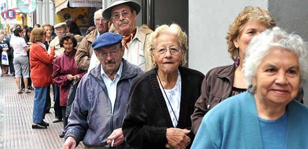 Adultos mayores se pueden desbloquear y acceder al beneficio económico