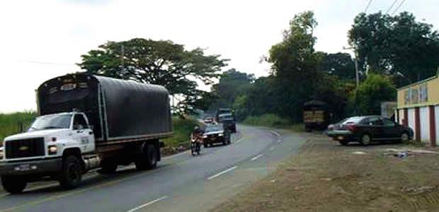 Secretaría de Infraestructura rehabilita vías de acceso a Cavasa