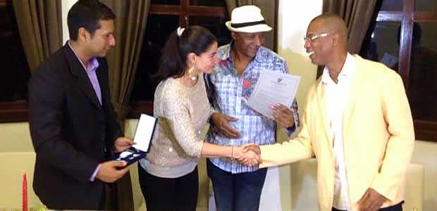 Gobierno del Valle entregó medalla al mérito vallecaucano a la orquesta Guayacán en sus 25 años