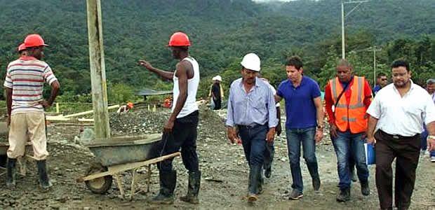 Gobierno Departamental y Ministerio de Vivienda inspeccionaron las obras de la Ciudadela Nueva Esperanza, donde se invertirán $2.870 millones