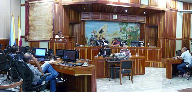 Líder cívico y veedor ciudadano quedó casi solo en recinto del Concejo de Cartago