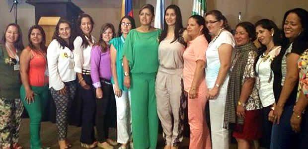 Primera Dama del Valle se reunió con gestoras sociales del departamento