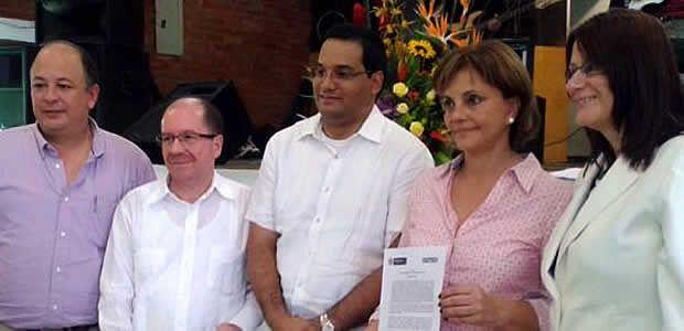 Secretaría de Educación departamental firmó pacto que garantiza ingreso de niños al sistema educativo oficial