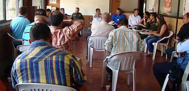 Taxistas se reunieron con el gobierno de Cartago