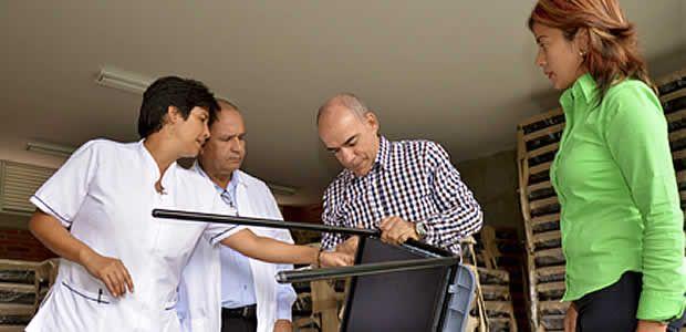Colegio José Antonio Galán empezó a recibir la dotación para las 31 aulas