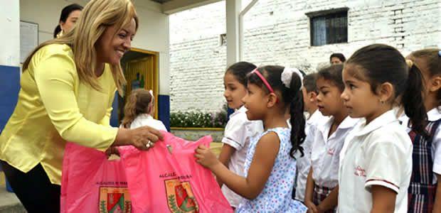Campaña de la gestora social llega a 7.200 paquetes escolares entregados a los estudiantes de Pereira