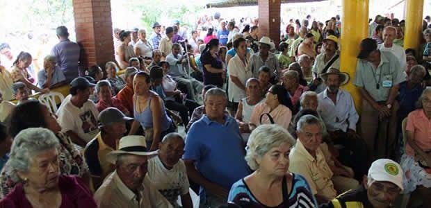Adultos mayores beneficiarios bloqueados temporalmente para cobrar subsidio