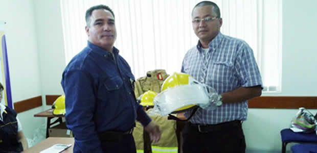 Bomberos de Pereira recibe dotación para atención de emergencias
