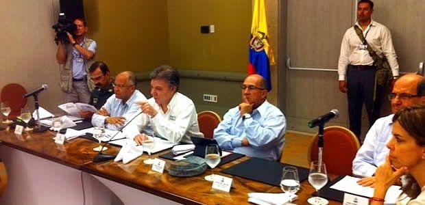 Gobernador del Valle solicitó apoyo al Presidente Santos ante casos de extorsión a comerciantes en Tuluá