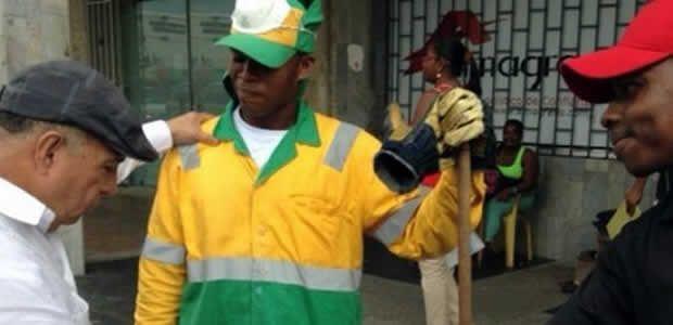 Ubeimar Delgado recorrió las calles de Buenaventura saludando la comunidad