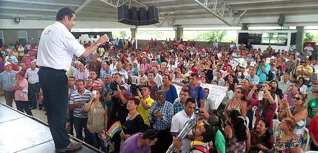 """""""Estamos cerca del acuerdo de paz"""": anunció Vargas Lleras desde Cartago"""
