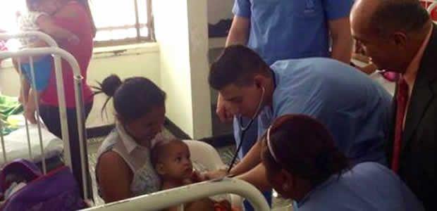 Gobernador del Valle y Ministro de Salud entregaron equipos al Hospital Mario Correa Rengifo