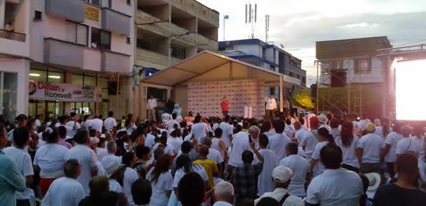 Zuluaga fue ponente de la Ley que le quitó las horas extras, dominicales y festivos a los trabajadores, dijo Santos en Cartago