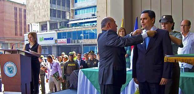En el marco del grito de la independencia gobernador del Valle condecoró ilustres vallecaucanos