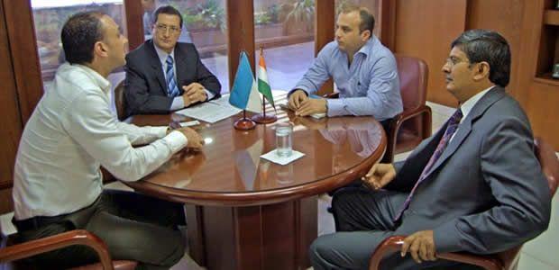 Gobernador (e) del Valle recibió en su despacho al Embajador de La India