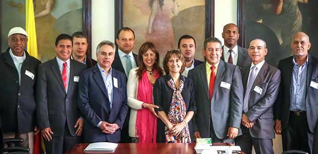 Alcalde de Pereira firmó acuerdo del proyecto sistemas de vigilancia de circuito cerrado