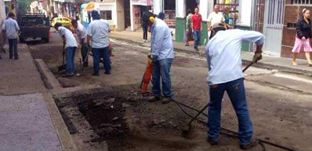Avanza la campaña cero huecos en Pereira recuperando la calle 21