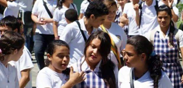 Instituciones educativas públicas del Valle tendrán nuevas baterías sanitarias