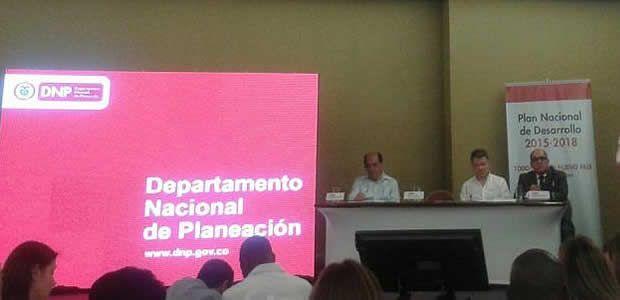 Gobernador del Valle pidió a la nación priorizar vías secundarias en plan nacional de desarrollo