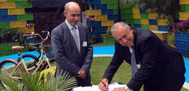 Alcalde de Pereira firma plan maestro de espacio público cofinanciado por los británicos