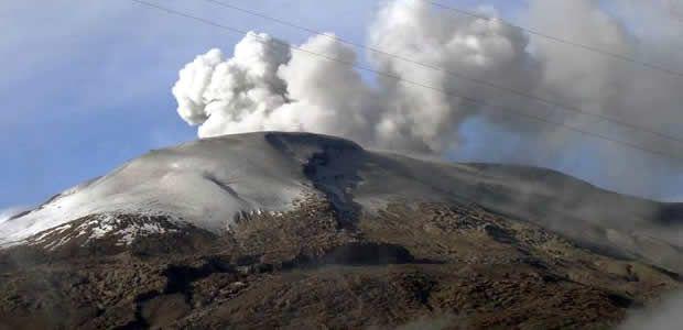 Científicos reportan aumento de actividad del Volcán Nevado del Ruiz
