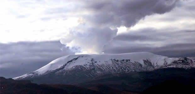 Carder insiste en recomendaciones por activación del volcán nevado del Ruiz