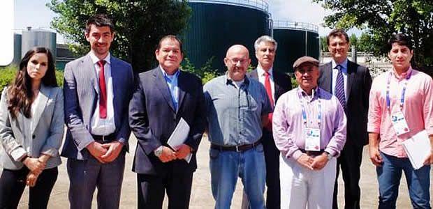 Ubeimar Delgado firma carta de intención con Austepmilán sobre manejo de residuos sólidos