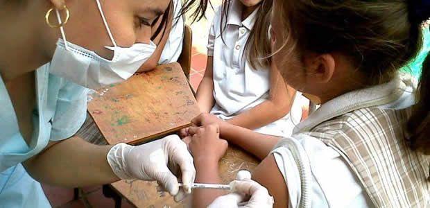 Vacunación contra el virus del papiloma humano en Cartago