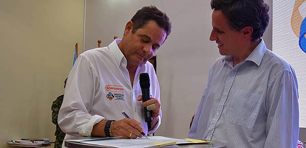 Gobierno Santos suscribe contratos de obra para la segunda calzada entre Buga y Buenaventura