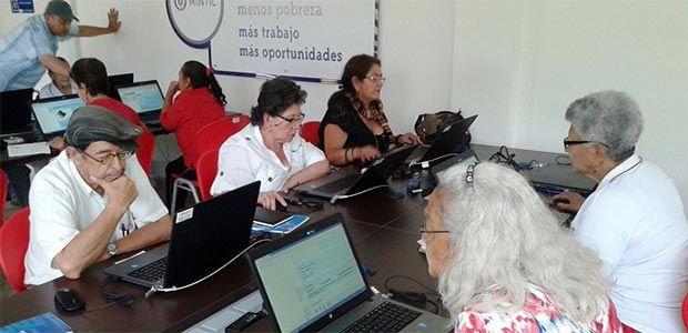 Armenia avanza en masificación del uso de las nuevas tecnologías con adultos mayores