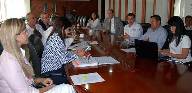 MinTransporte y Gobernadora del Valle acuerdan en obras de gran importancia para la Región y el País