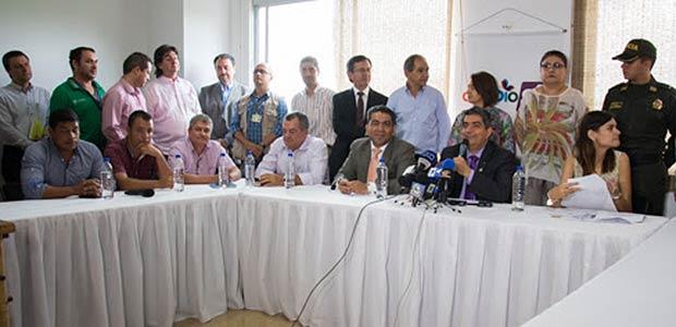 Alcaldes quindianos brindan respaldo a mandato del padre Carlos Eduardo Osorio