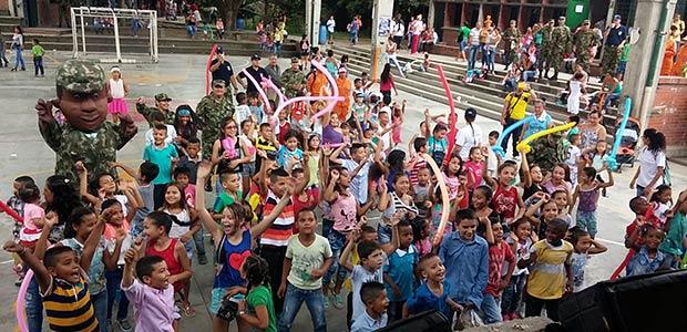 Batallón San Mateo y Gobernación de Risaralda llegaron al corazón de los habitantes de Puerto Caldas