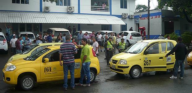 Taxistas de Cartago piden que no aumenten cupos