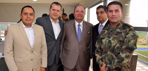 Ministro de Defensa ofrece cooperación a gobernadores para combatir el contrabando de licores