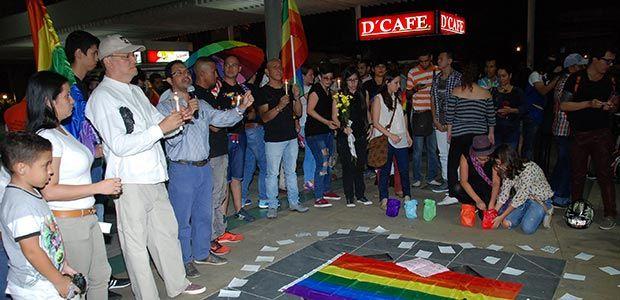 Gobierno del Valle acompañó vigilia de protesta ante atentados contra comunidad LGTBI