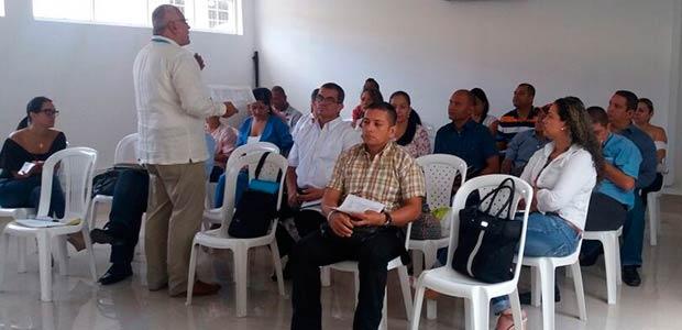 Alcaldes y delegados se reunieron en Cartago con enlace del Valle de Más Familias en Acción