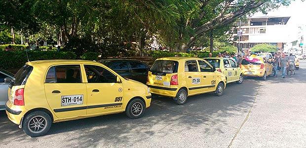 Taxistas de Cartago protestaron en solidaridad con sus colegas de Bogotá