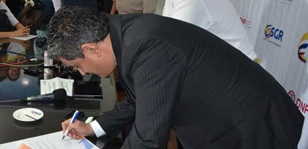 Para estructurar el proyecto Carpaz, firmaron gobernador del Quindío y Director del DNP